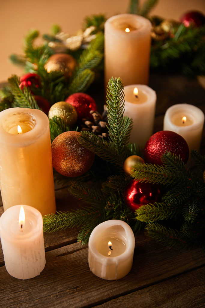 holiday-candles-spruce-and-ornaments
